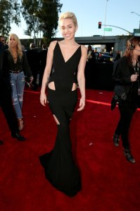 miley-cyrus-grammy-2015-red-carpet